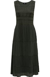 Sleeveless Lace And Crinkle Georgette Dress