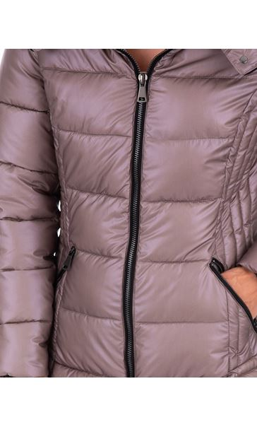 Pearlized Puffa Coat Rose - Gallery Image 3