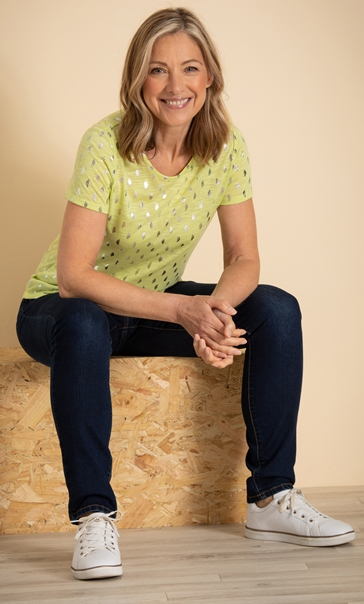 Anna Rose Foil Feather Printed Jersey Top Lime