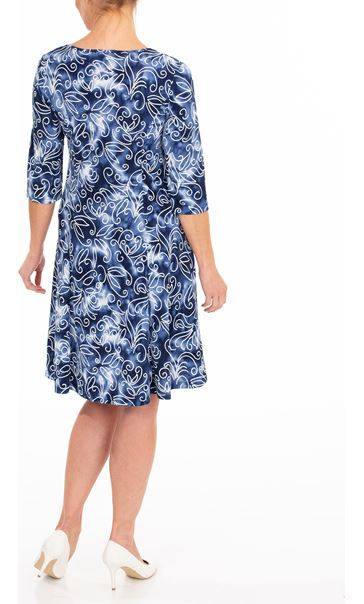 Anna Rose Printed Stretch Dress With Necklace Blue/White - Gallery Image 2