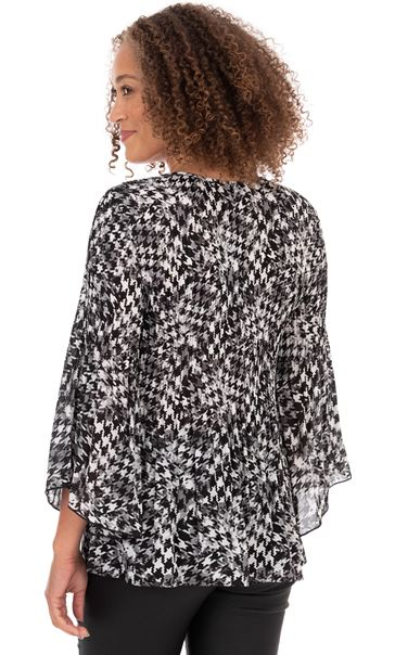 Pleated Fit and Flare Sleeve Printed Blouse Black/White - Gallery Image 2