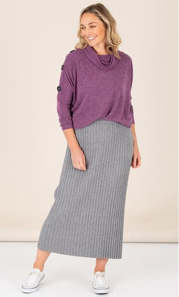 Pleated Knit Pull On Maxi Skirt