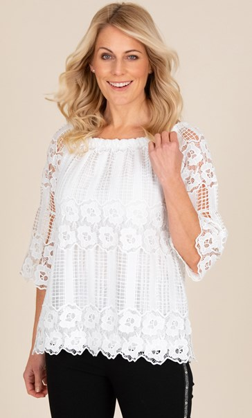 Lace Three Quarter Sleeve Top