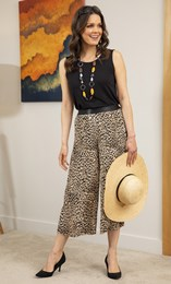 Cropped Animal Print Pleated Wide Leg Trousers